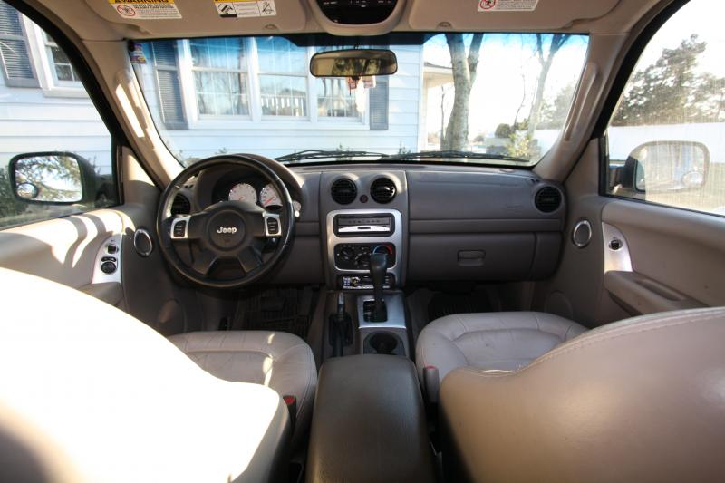 Jeep Liberty Interior